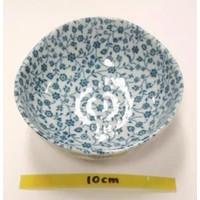Kommetje fijne blauw bloemenpatroon, oneven bovenkant, 11 cm