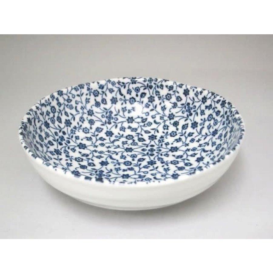 Schaaltje met fijn blauw bloemenpatroon, oneven bovenkant, 15 cm-1