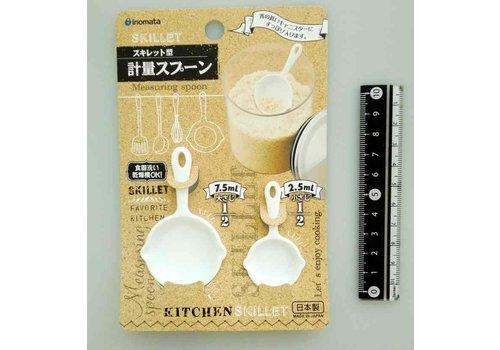 Measuring spoon, skillet pan shape, white