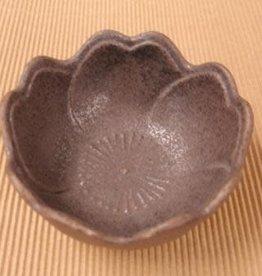 Pika Pika Japan flower bowl Tenmoku