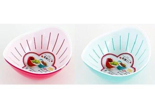 Plastic kitchen strainer with bowl, flower shape
