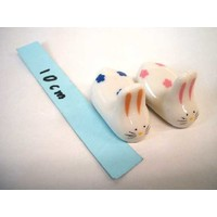 Chopsticks putting of earthenware rabbit2P
