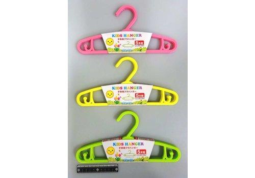 Plastic hanger for kids 5p