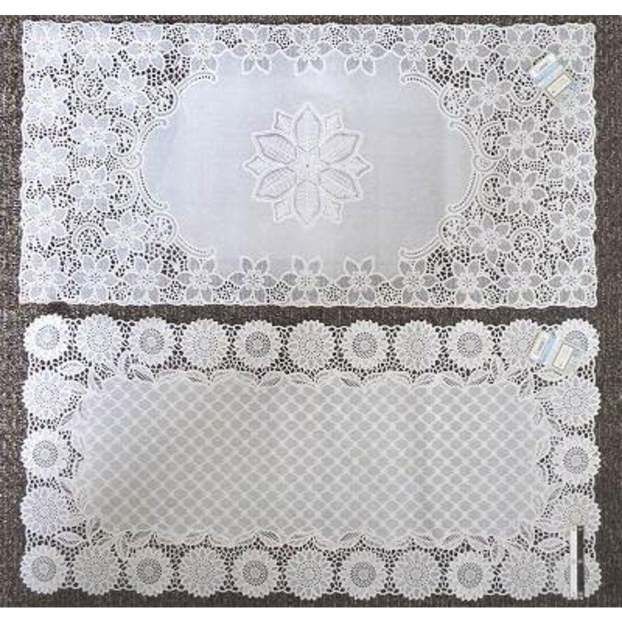 Drawnwork like PVC mat square 40x83cm-1