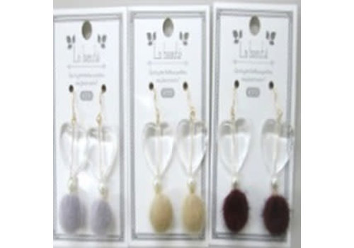Fake fur pierced earrings with heart