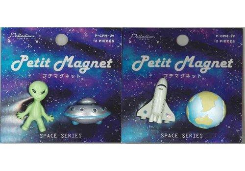 Petit magnet C29 space B