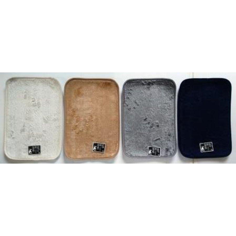 Fluffy boa bath mat 4 color assortment-1