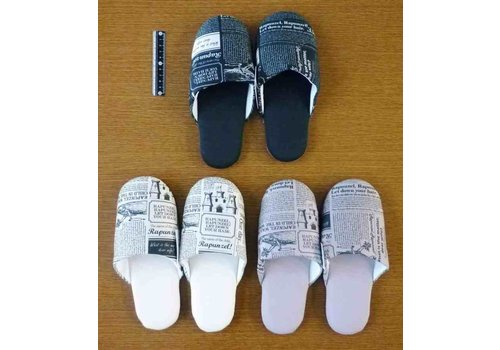 Fit slippers with English paper