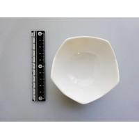 Wit schaaltje met kartelrand, porselein, 8 cm