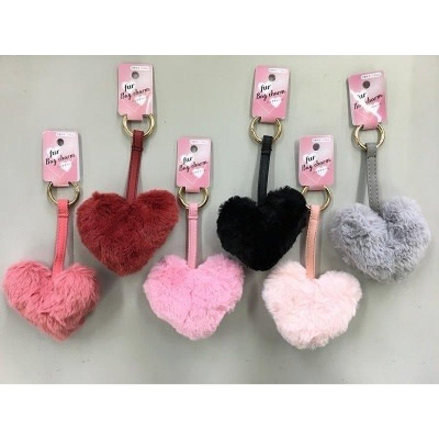 Bag charm fur heart ring-1