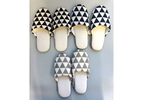 Soft slippers triangle pattern: PB