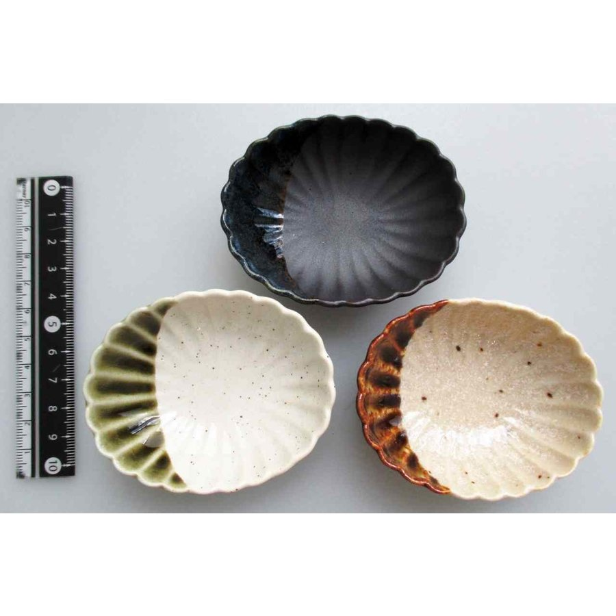 Chrysanthemum oval small plate-1