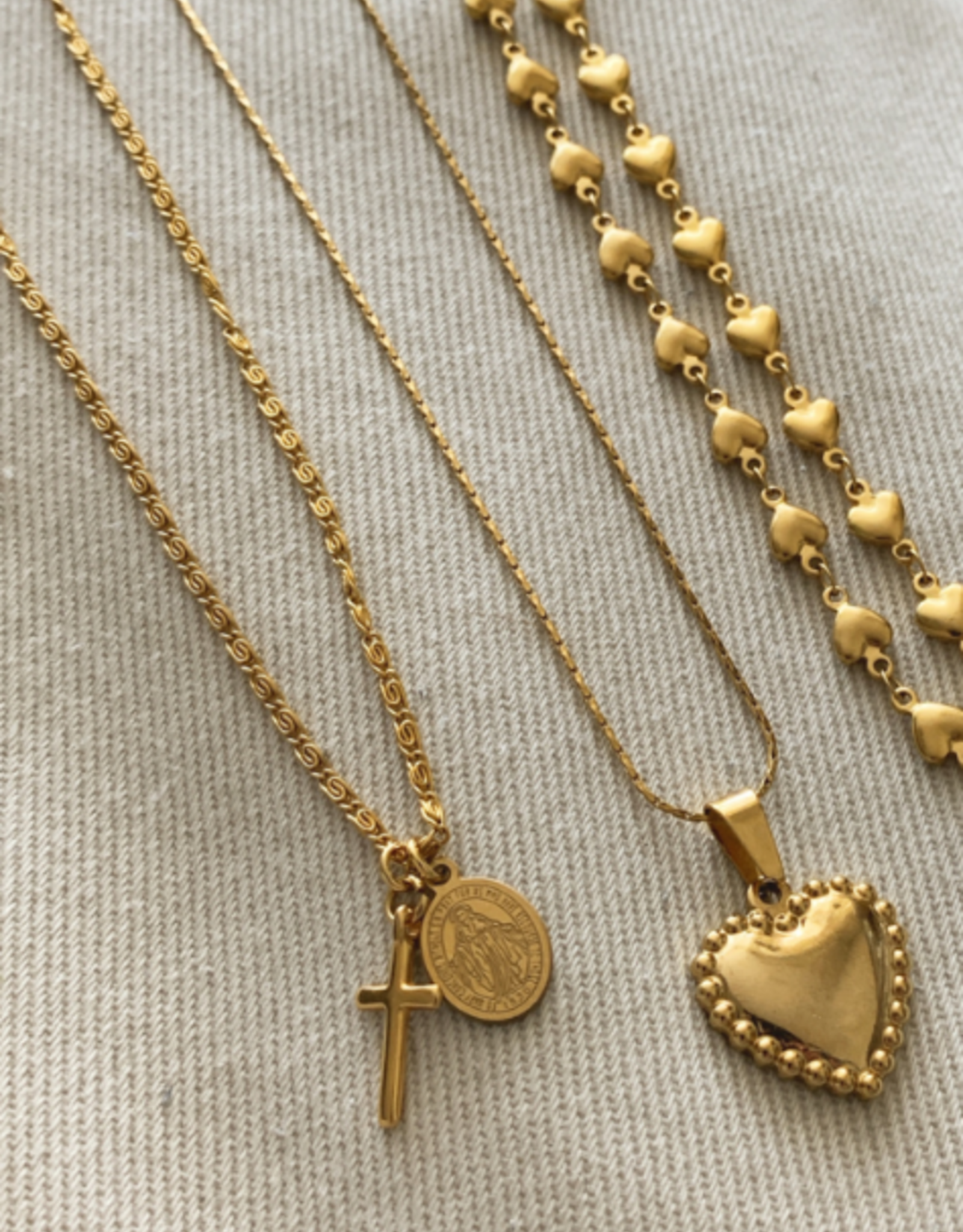 2 The Moon 'n Back 2 The Moon 'n Back Necklace Virgin Mary & Cross Gold