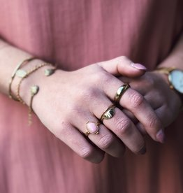 All the Luck in the World Ring Cherie Oval Marble Light Pink Gold