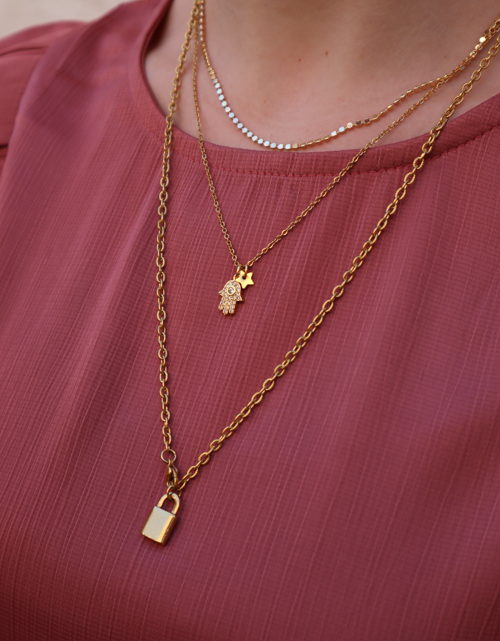 2 The Moon 'n Back 2 The Moon 'n Back Necklace Golden Bling Hand & Star