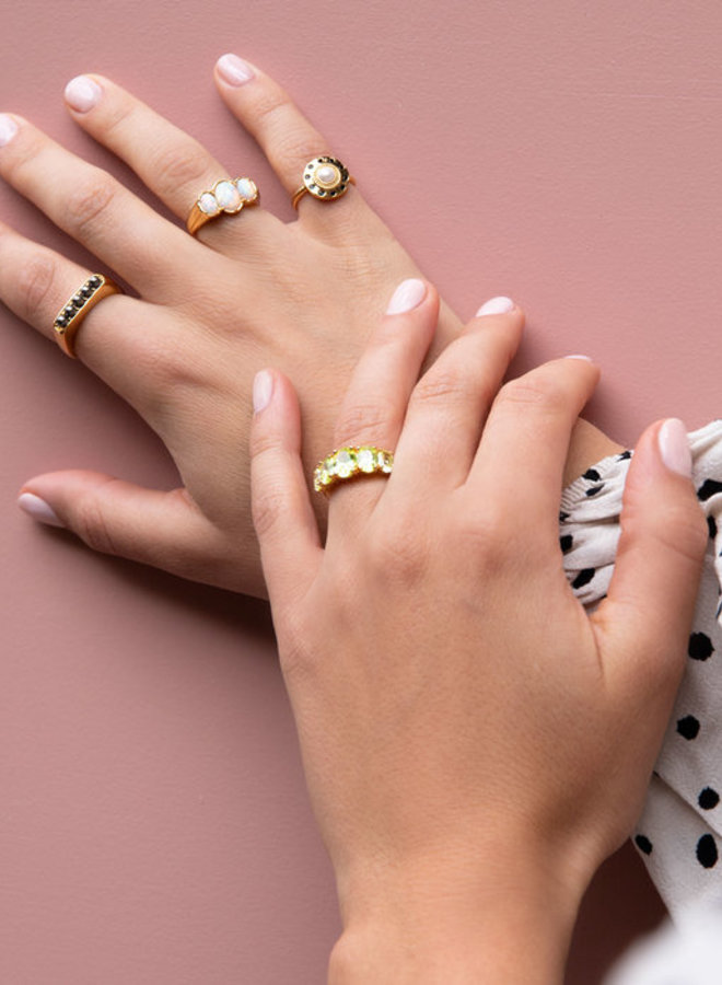 All The Luck in the World - Ring Chérie Ovals White