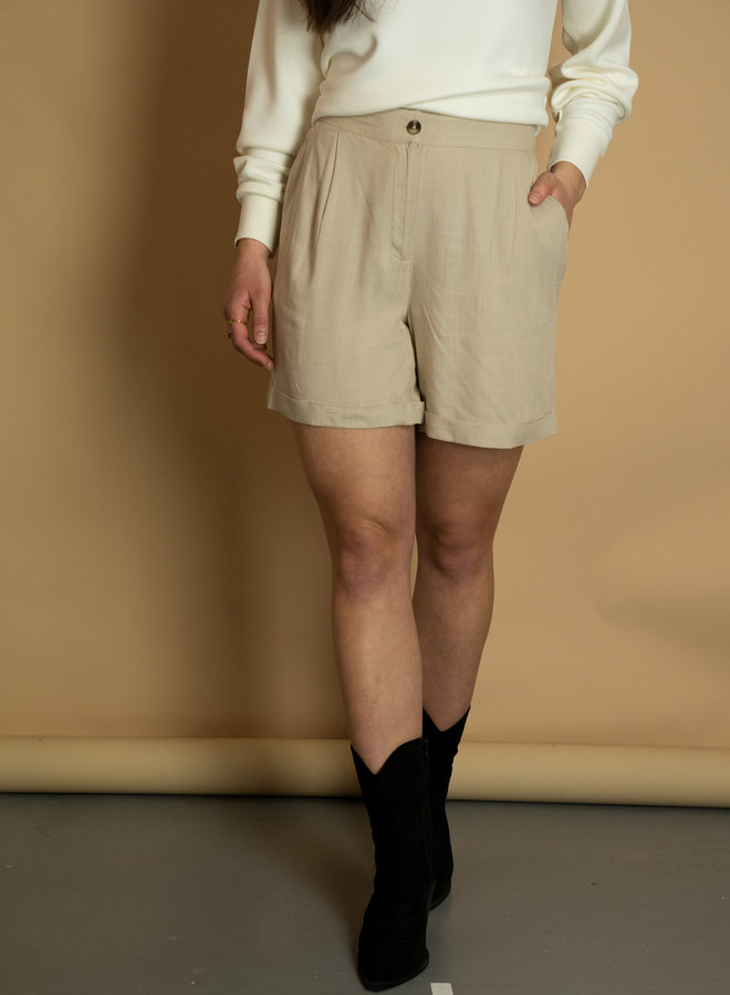 Ichi Fayola shorts