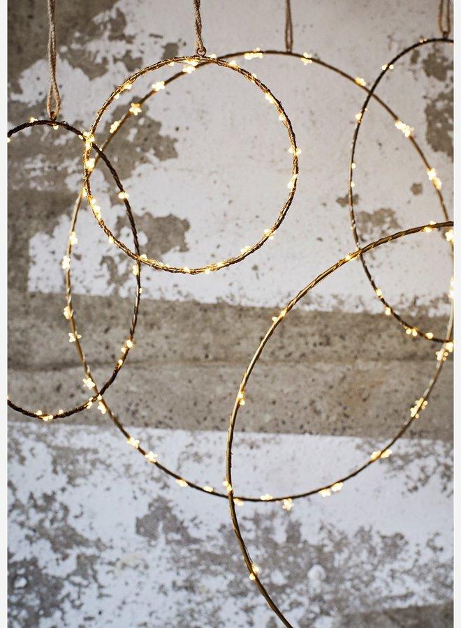 Madam Stoltz Wire Ring