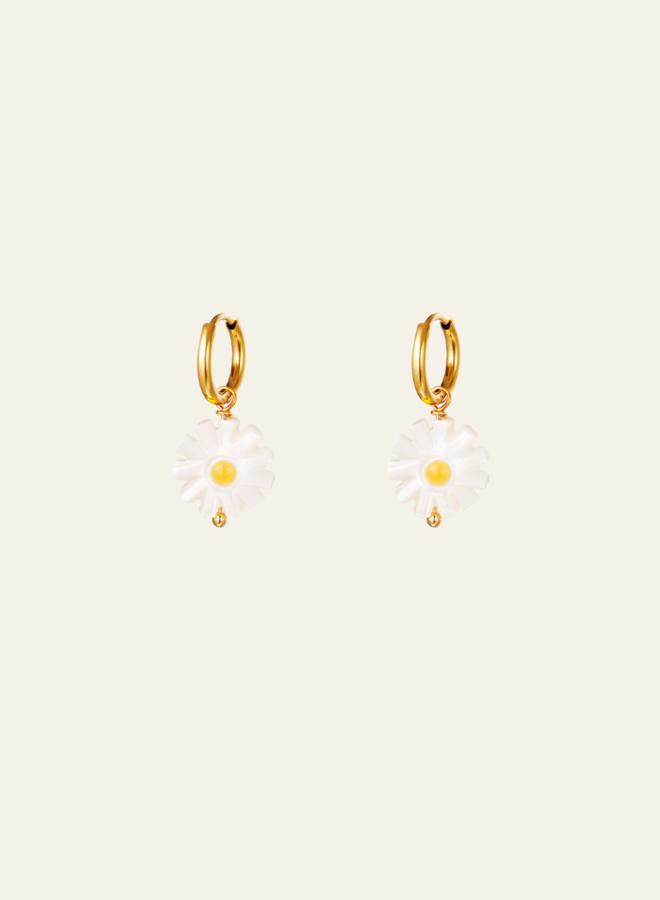 Make My Day Daisy Shell Earring
