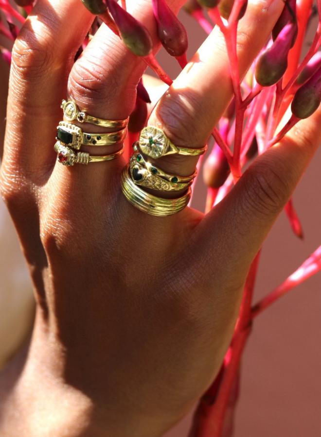 Xzota Molly Line Ring Brass