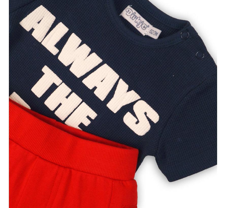 Dirkje blauw t-shirt rode short