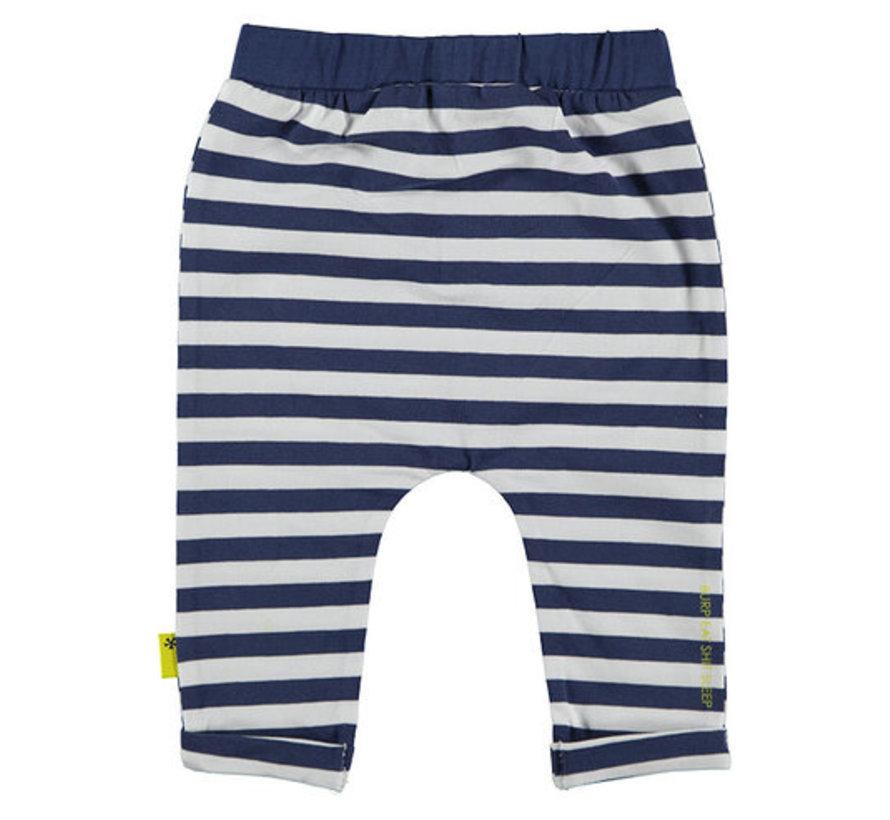 B.E.S.S wit , blauwe broek
