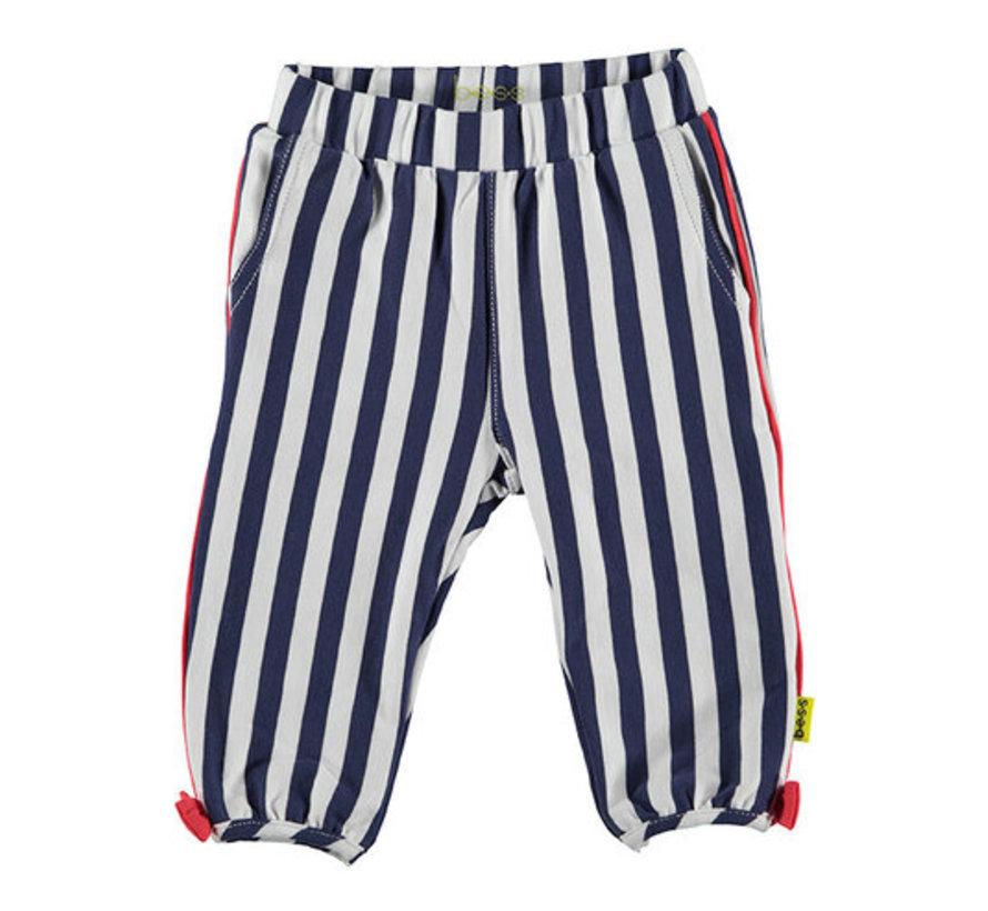 B.E.S.S wit, blauw gestreepte broek