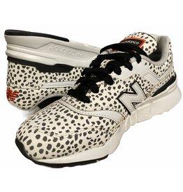 NB 997H sneakers