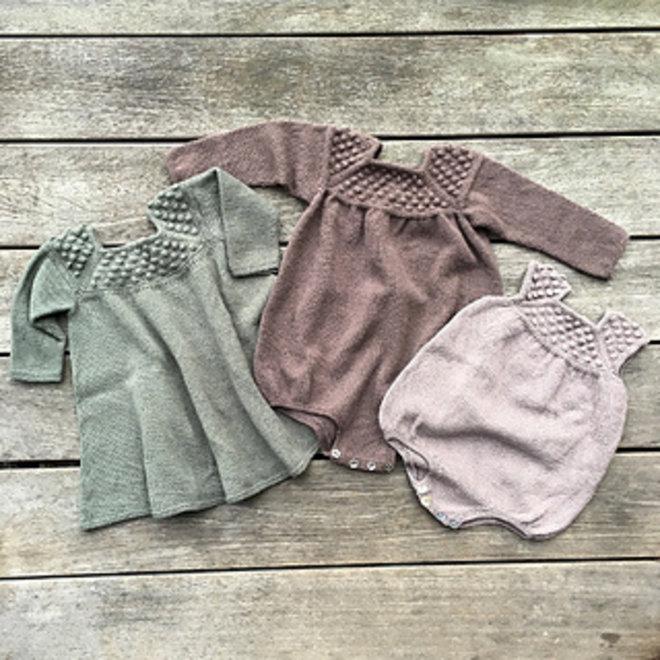 Knitting for Olive - Roxy Kleid und Spielanzug (PDF)