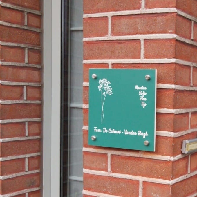 Huisnummerbord groen
