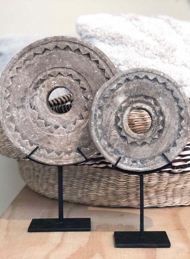 Stenen Wiel op Voet XS 15 cm