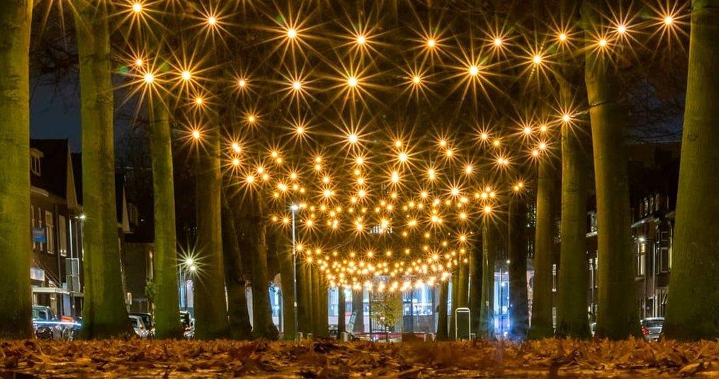 Belcrum viert - 8x 100 meter met 800 0,7W 2000K lampen