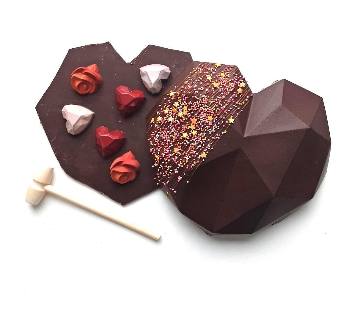 ambachtelijk vervaardigd in eigen atelier Chocolade pinata Hart