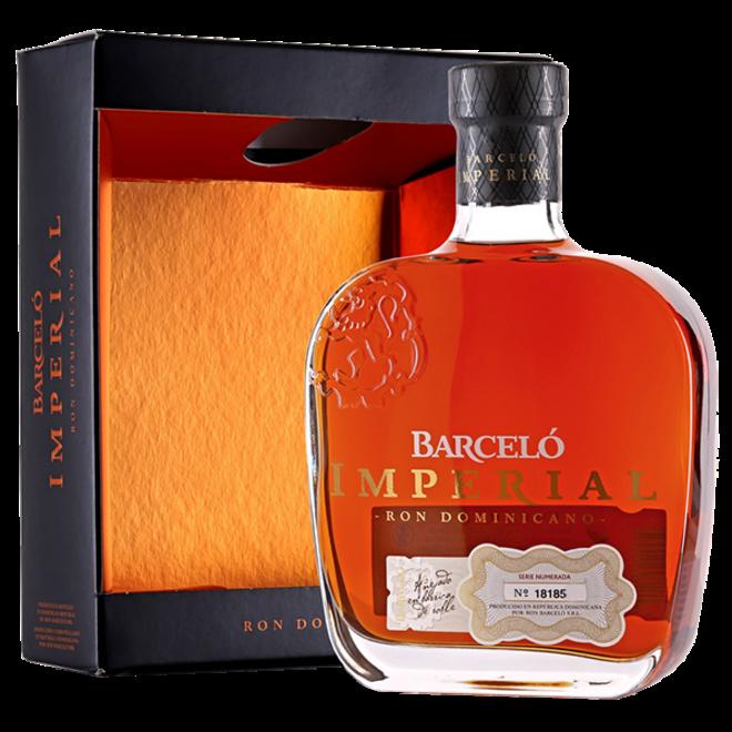 Ron Barcelo Imperial Dominicano Rum in Geschenksverpackung 0.7 l
