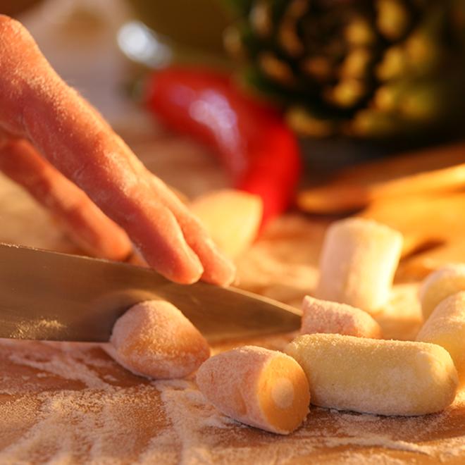 Frische handgemachte gefüllte Gnocchi (1 kg)