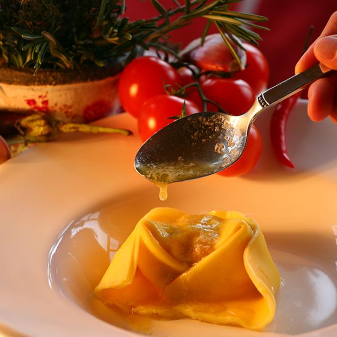 Frische handgemachte Ricotta-Spinat Cappellacci (1 kg)