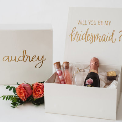 the wedding agency Bridesmaid Box