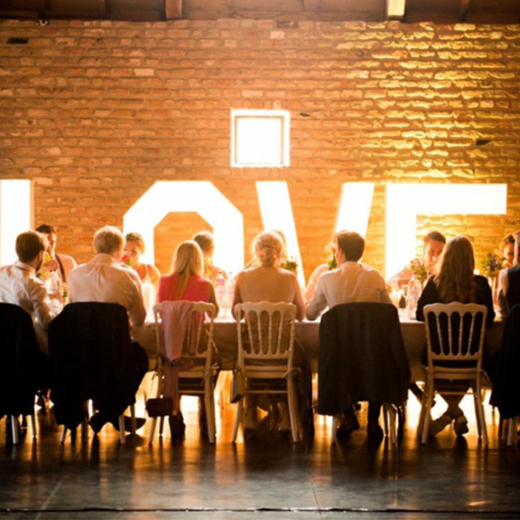 Verhuur - LOVE verlichte letters