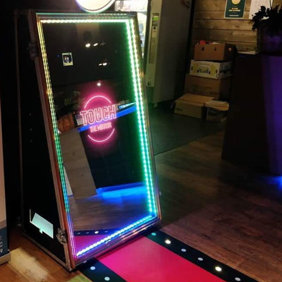 Verhuur - Magic Mirror Photobooth