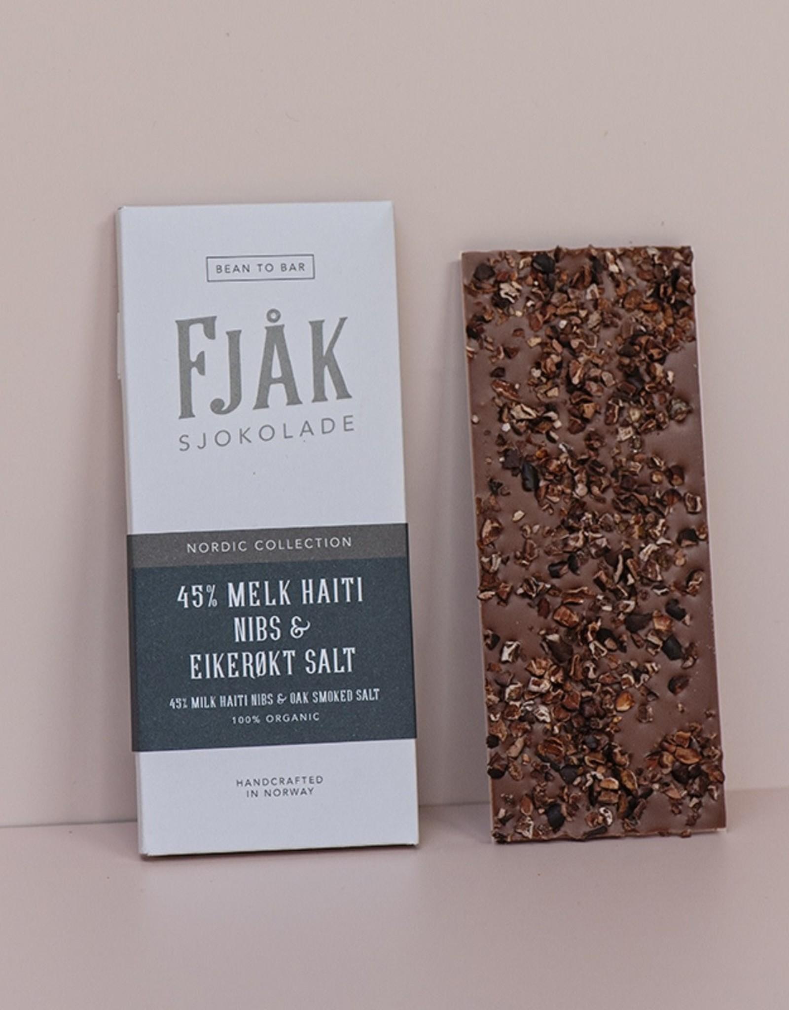 Fjak Fjak Haiti 45% milk Nibs and Oak smoked salt