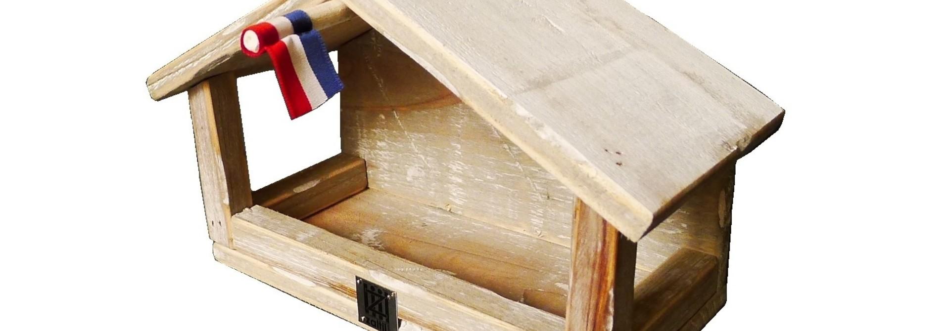 birdhouse old dutch StB wall feeder