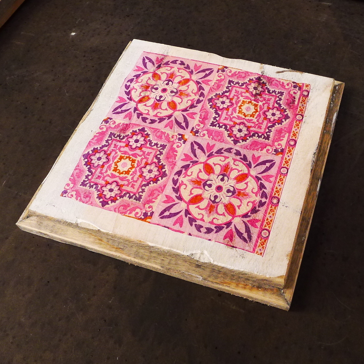 wooden tile old dutch inda pink out-2
