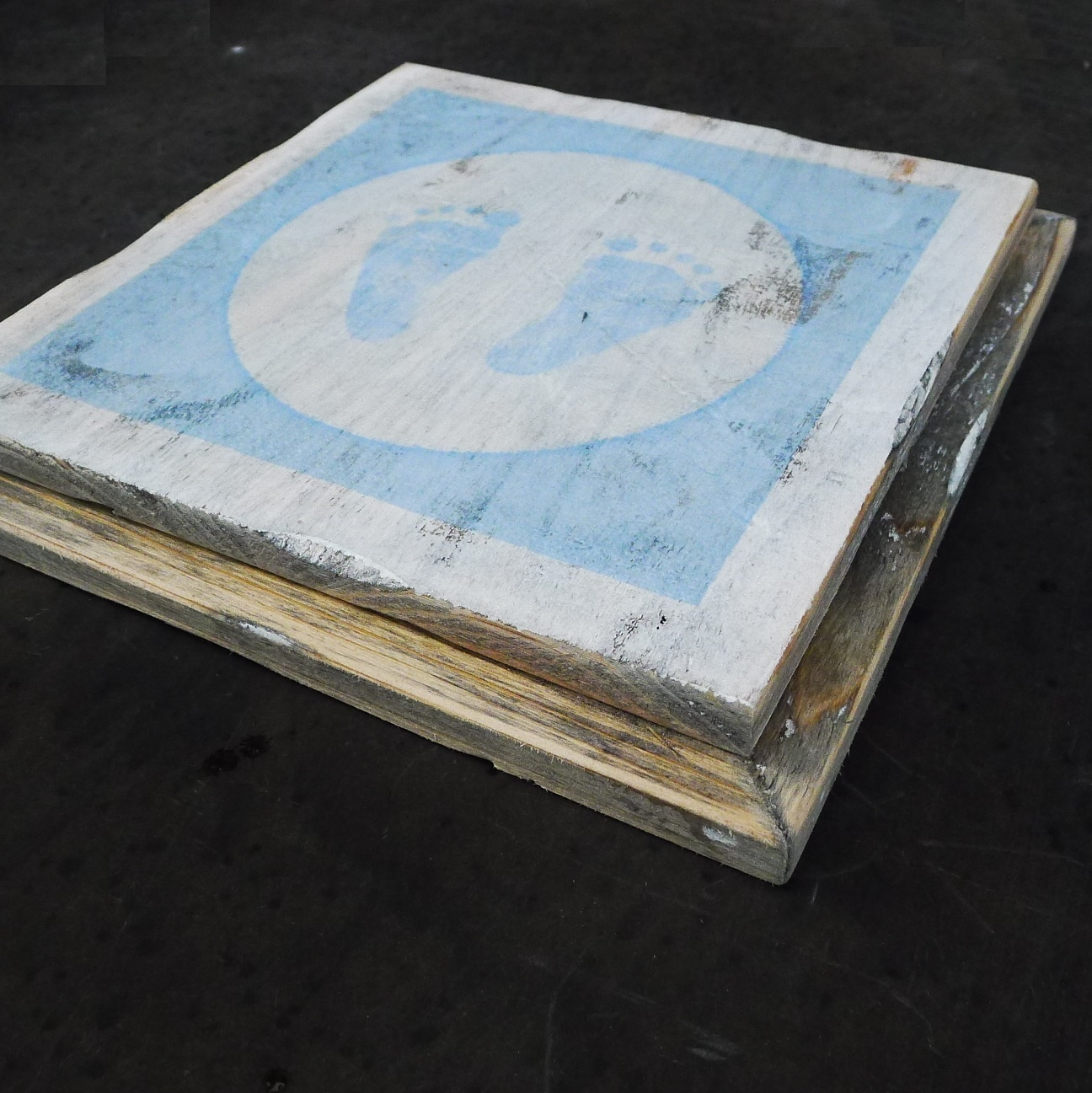 wooden tile old dutch  blue feet out-4
