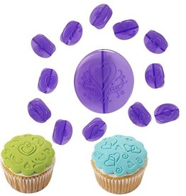 Wilton Cupcake Decorating Set -Hearts- Set/14