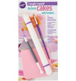 Wilton Wilton I Taught Myself® Fondant Cakes