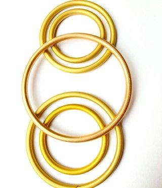 Slingringen goud