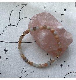 Studio Daz Armbandje Maansteen met gouden bead