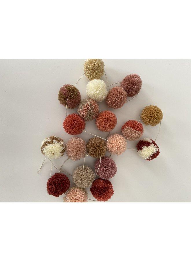 pompom-slinger (nature pink)