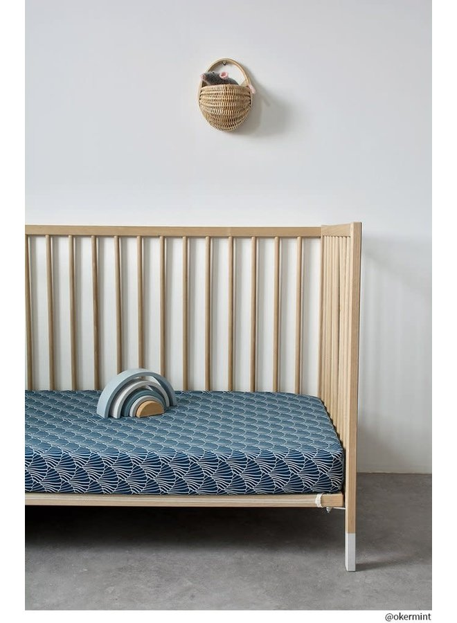 Swedish Linens hoeslaken Seashells Maroccan Blue, 60 x 120 cm