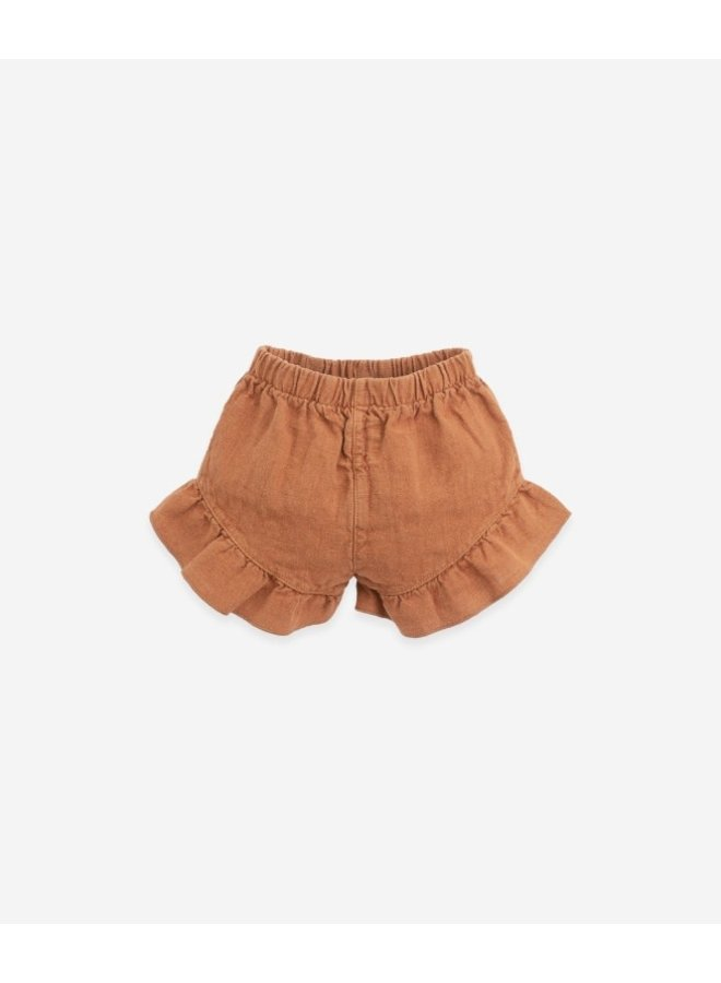 Linen shorts with a frill | Botany